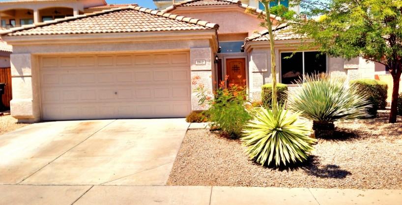 LEASED – 1512 E. Villa Rita Drive, Phoenix, AZ 85022 – Gorgeous 3 bed – 2 bath – elevated lot
