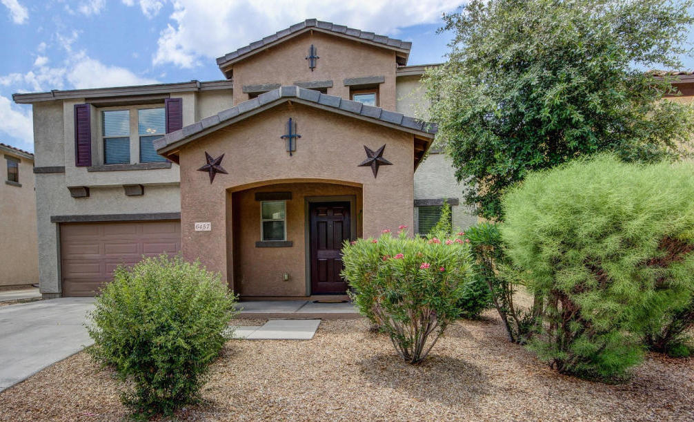 SOLD – Gorgeous single family property under 175k community pool & spa & play area